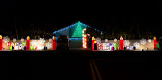 where to go see christmas lights where to see o ahu homes decked out with pretty christmas lights