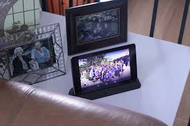 what is an android tablet make your android tablet a socially connected photo frame cnet