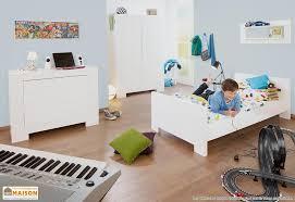 armoire chambre d enfant chambre enfant sky lit enfant commode armoire 3 portes pinolino