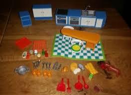 playmobil küche 5329 playmobil 5329 einbauküche küche blau mit zubehör und hund