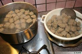 cuisiner quenelle lawerknepfla quenelles de foie d alsace recette de cuisine
