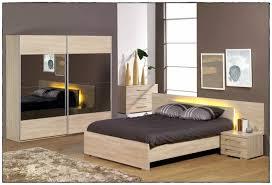 modèle de chambre à coucher chambre a coucher moderne avec dressing attrayant chambre a coucher