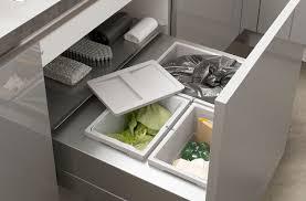 rangement poubelle cuisine petits aménagements malins pour la cuisine darty vous