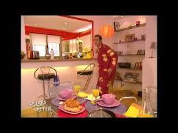 un gars une fille dans la cuisine un gars une fille danse sega au petit déjeuner other