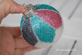 decorate a plain ornament with glitter the ornament