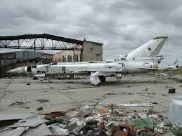 abandoned soviet migs from iraq to russia abandoned aircraft