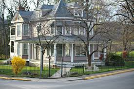 victorian style home with hairpin fence u0026 garden gate antietam