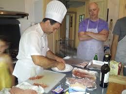 un cour de cuisine la cuisine italienne n aura plus de secret pour vous https
