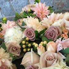 wedding flowers green bay wi petal pusher floral boutique flowers green bay wi weddingwire