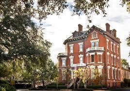 laurel loves 7 haunted houses