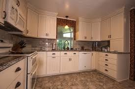 cuisine sur cours cuisine cuisine sur cours avec beige couleur cuisine sur