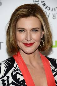 brenda strong u0027s hairstyles short haircut for women over 50