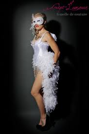 Showgirl Halloween Costumes Divine White Angel Las Vegas Showgirl Feather Bustle Burlesque