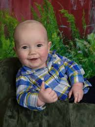 Old Baby Meme - 5 month old baby thumbs up school portrait babies know your meme