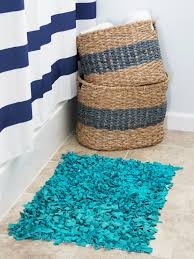 How To Rag Rug Craft An Inexpensive Rug Using Old T Shirts How Tos Diy