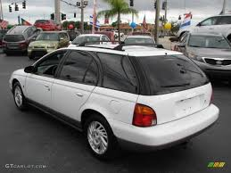 white 1998 saturn s series sw2 wagon exterior photo 44190007