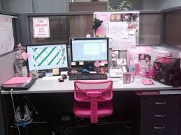 trendy office cubicle holiday decorating contest cute pink cubicle