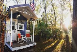 homes on wheels college student avoids dorm life by building tiny home on wheels