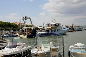 chambre d hotes grau du roi hotels gîtes et chambres d hôtes à proximité à port de pêche le