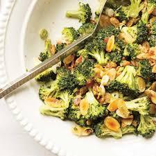 cuisiner les brocolis salade de brocoli ricardo