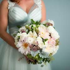 wedding flowers questions to ask 10 questions to ask your wedding florist weddingwire