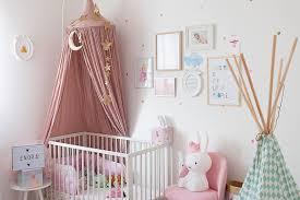 décoration chambre bébé fille chambre bébé à la décoration poudrée bébé et déco