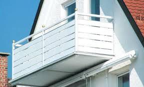 boden fã r balkon paneele balkon bodenbelag fa 1 4 r balkon und terrasse balkon