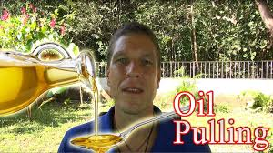 Oil Pulling Before Bed Oil Pulling U0026 Tongue Scraping This Is How You Do It Right Youtube