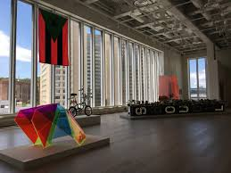 David Hammons African American Flag The Uptown Triennial Casts Harlem In Vivid Relief Mfa Art Writing