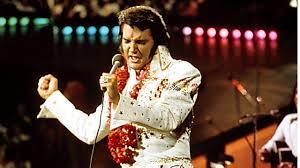 Schlafzimmerblick Frau Vor 40 Jahren Starb Elvis Presley Seine Hüfte Bewegte Die Welt
