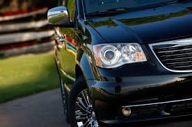 2013 chrysler town u0026 country reviews and rating motor trend