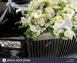rolls royce wedding marriage marrying flowers flower decoration