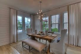Chandeliers For Dining Room Traditional Traditional Dining Room With Chandelier U0026 Crown Molding Zillow