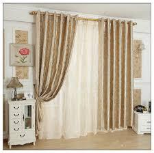rideau de fenetre de chambre deco rideaux pour salon dans ce salon design aux murs gris perle