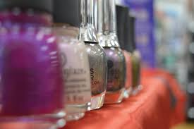 how chrome nails took over the beauty scene the university star