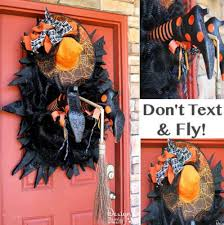 make your neighbors giggle with these 16 hilarious halloween ideas
