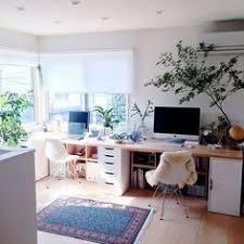 travailler à la maison desks globe and bureaus