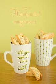 inexpensive wedding favors 24 cool and inexpensive diy autumn wedding favors weddingomania