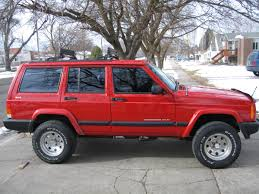 wrecked jeep cherokee jeep xj lift the jeep xj cherokee