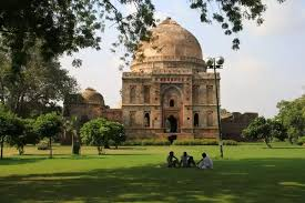 what are the best places in delhi where i can spend quality time