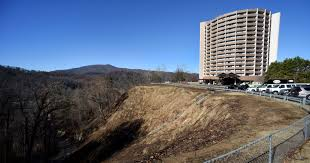 gatlinburg u0027s park vista hotel reopened after fire