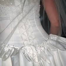 Wedding Dress Bustle This Site Shows Several Types Of Bustles I Think I Can Sew This