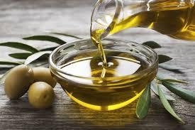 cuisiner à l huile d olive l huile d olive pilier de la cuisine méditerranéenne actu fr