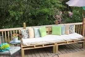 divanetti da esterno economici divani da giardino economici con bancali di legno bcasa