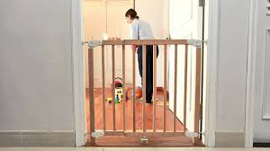 Baby Safety Gates For Stairs Aurore Extending Wooden Safety Gate Pressure Mounted Youtube