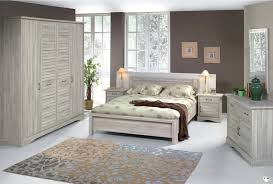 ensemble de chambre chambre a coucher en bois