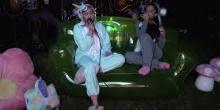 miley cyrus and ariana grande sing u0027don u0027t dream it u0027s over u0027 in