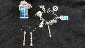 themed bracelets doctor who themed jewelry set raggedyfan