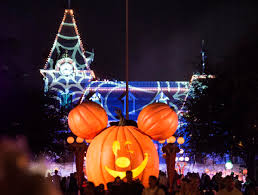 halloween horror nights hurricane matthew halloween mascotshows