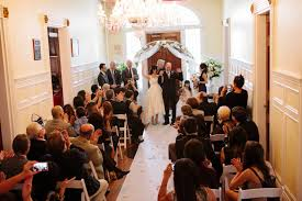 cheap wedding venues island 13 awesome budget weddings 8 000 a practical wedding